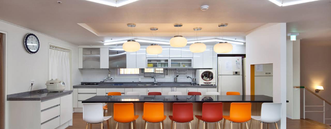 Cuisine moderne par 건축사사무소 오퍼스 Moderne