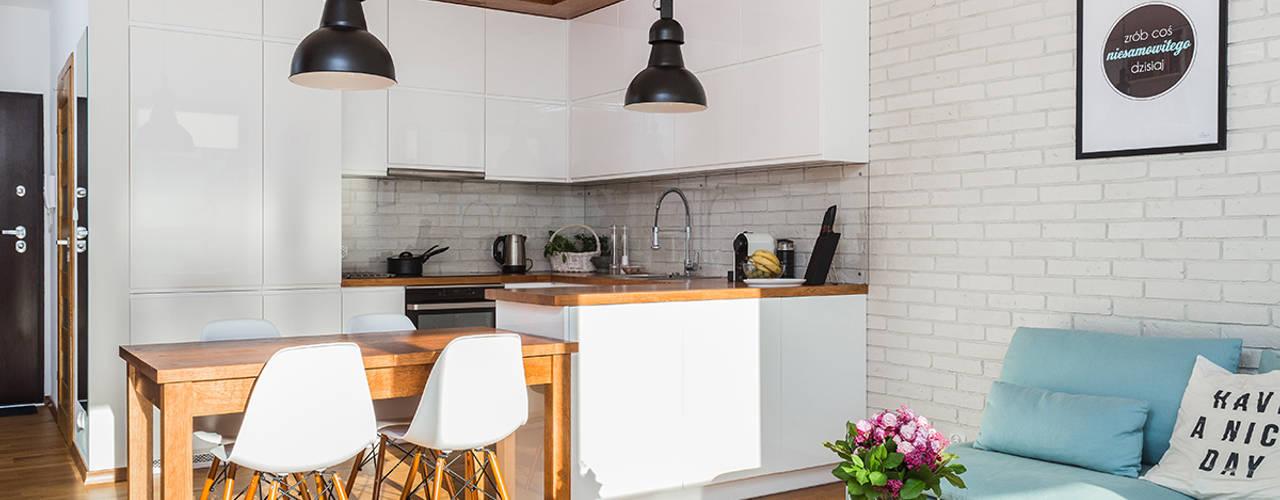 Cozinhas escandinavas por Kameleon - Kreatywne Studio Projektowania Wnętrz Escandinavo