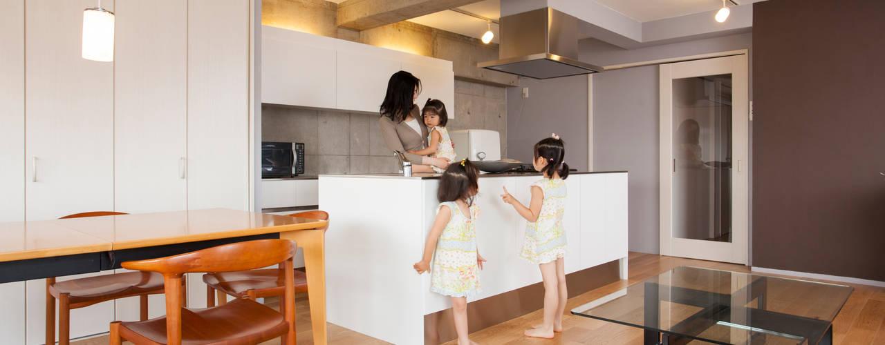 Cocinas de estilo industrial de 株式会社インテックス Industrial