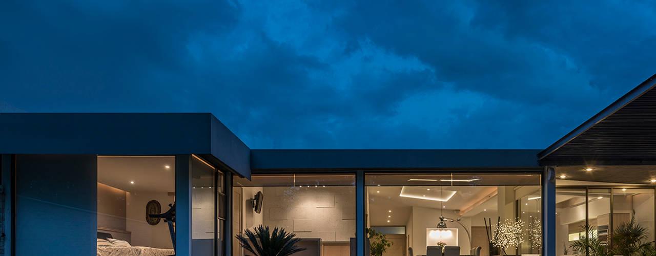 Projekty,  Domy zaprojektowane przez ROMERO DE LA MORA , Nowoczesny