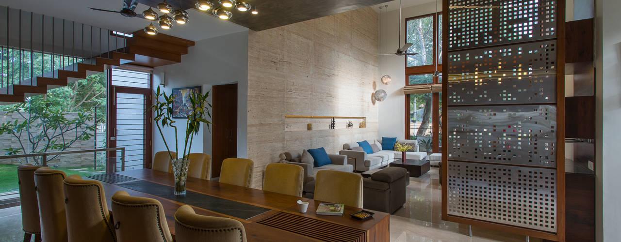 Ruang Makan Modern Oleh studio XS Modern