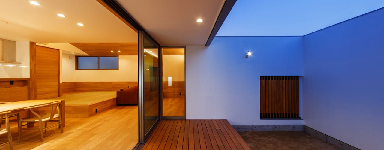 haus-slou モダンデザインの テラス の 一級建築士事務所haus モダン