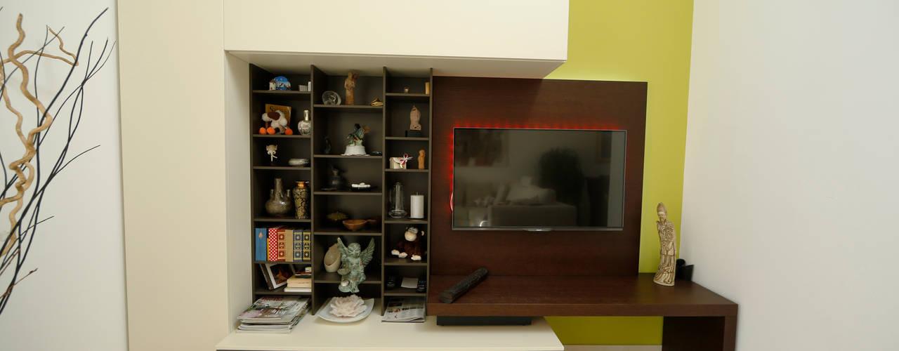 Salas multimedia modernas de DF Design Moderno