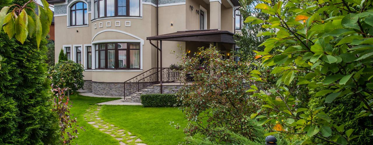 Экстерьер дома Дома в классическом стиле от LUXER DESIGN Классический
