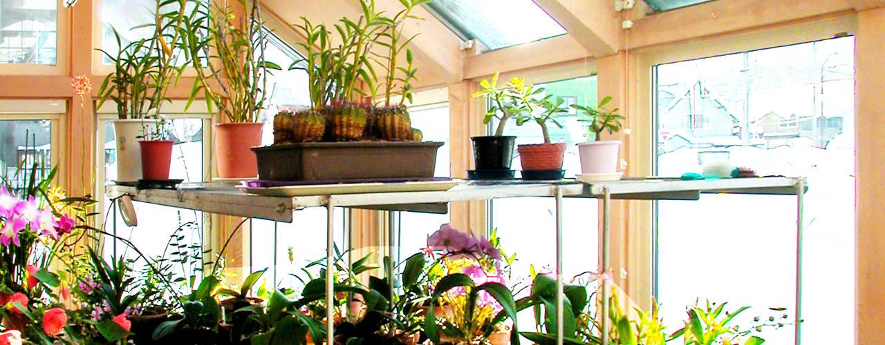 Jardins de inverno  por ユミラ建築設計室