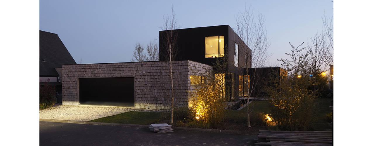 Moderne huizen van RIVA Architectes Modern