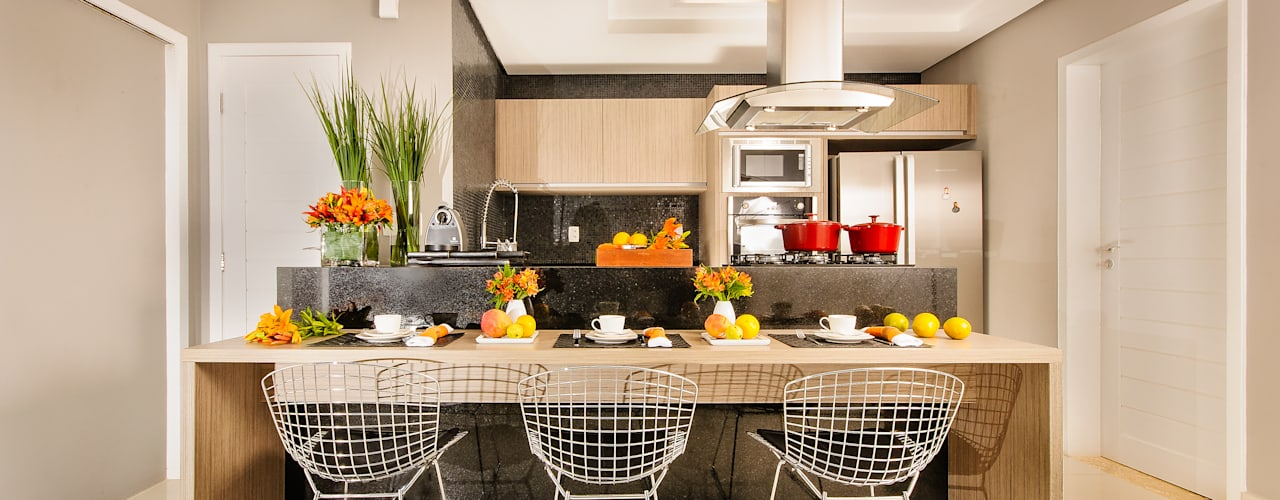 Modern Kitchen by Renata Matos Arquitetura & Business Modern