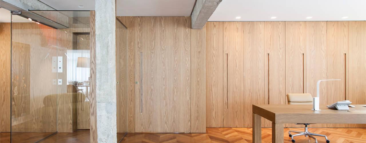 Phòng khách by RSRG Arquitetos