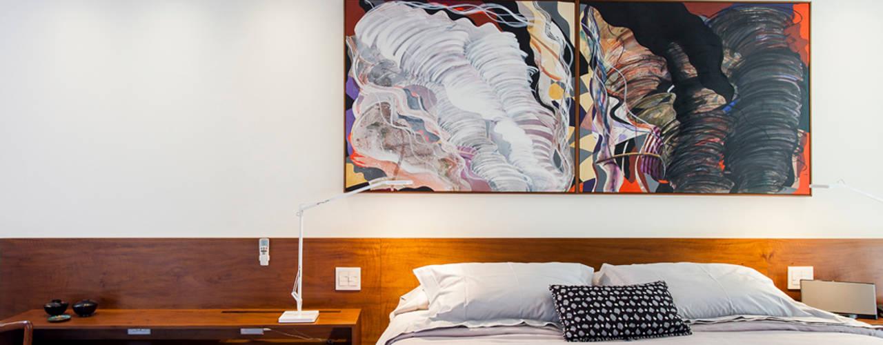 Phòng ngủ phong cách tối giản bởi RSRG Arquitetos Tối giản