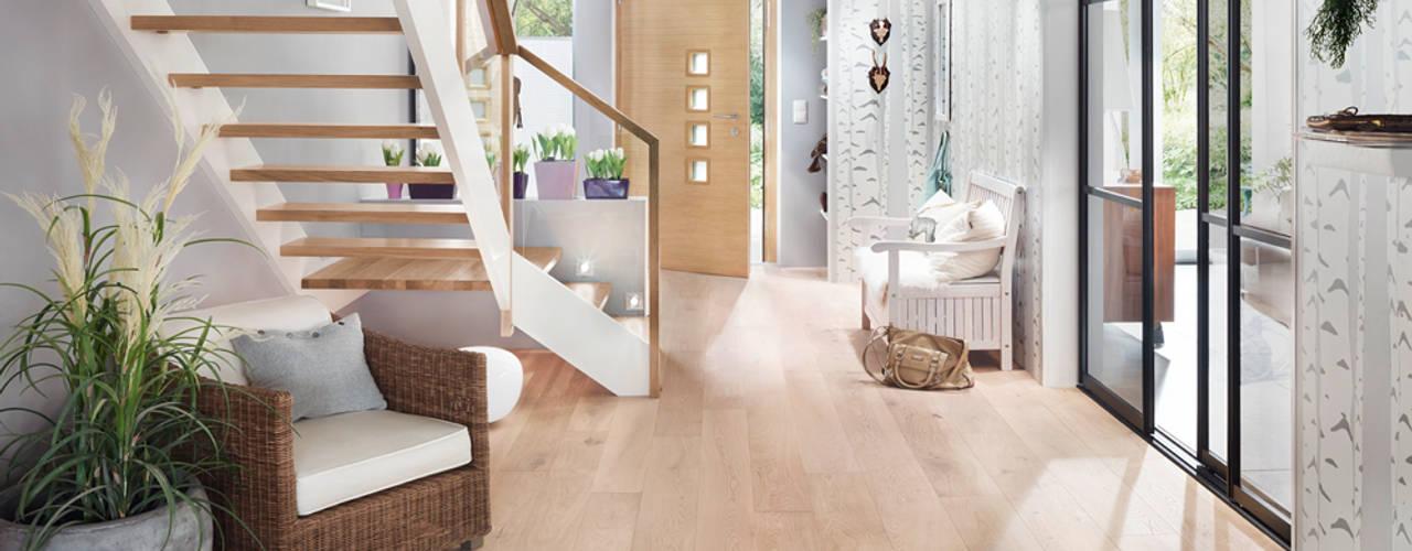 Eingangsbereich Skandinavischer Flur, Diele & Treppenhaus von Elfa Deutschland GmbH Skandinavisch