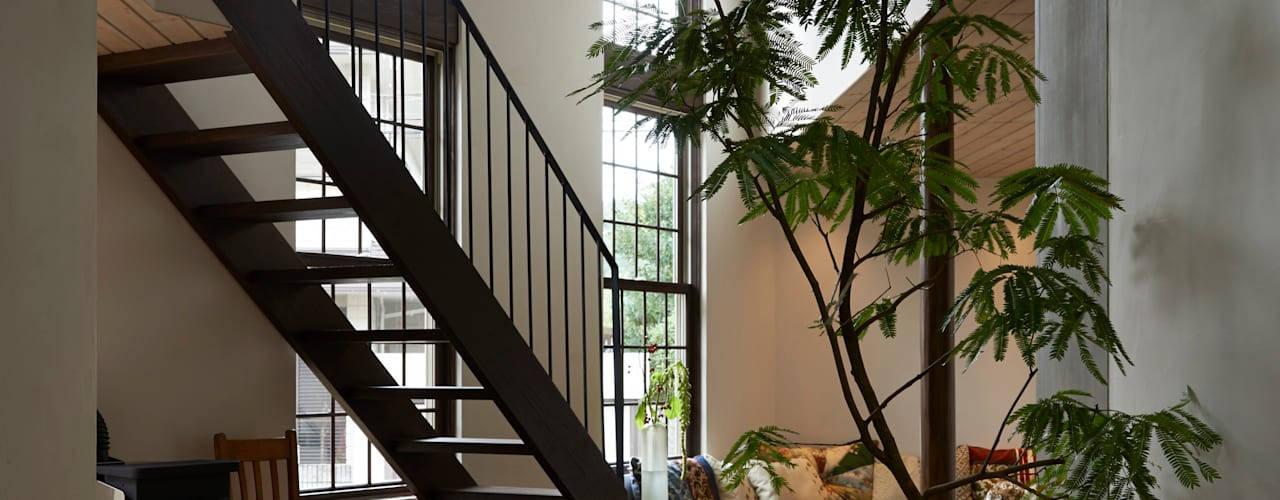 House in Nishitomigaoka モダンデザインの リビング の Mimasis Design/ミメイシス デザイン モダン