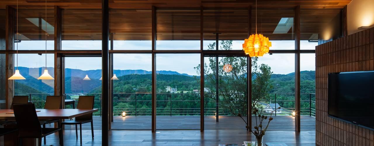 House in Sayo モダンデザインの リビング の Mimasis Design/ミメイシス デザイン モダン