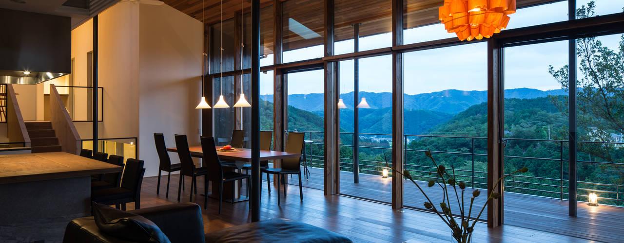 Modern living room by Mimasis Design/ミメイシス デザイン Modern