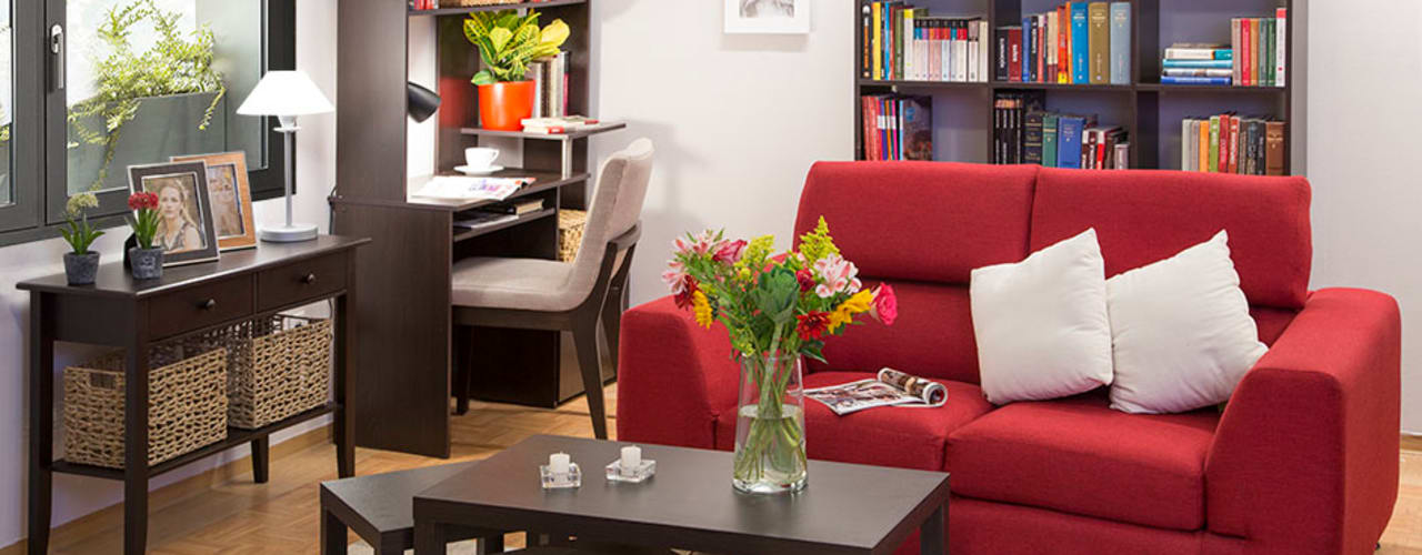 Living room by Idea Interior