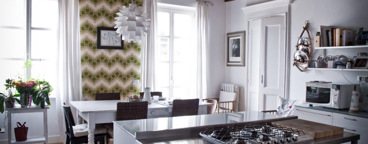 Appartamento settecentesco Torino: Cucina in stile  di con3studio