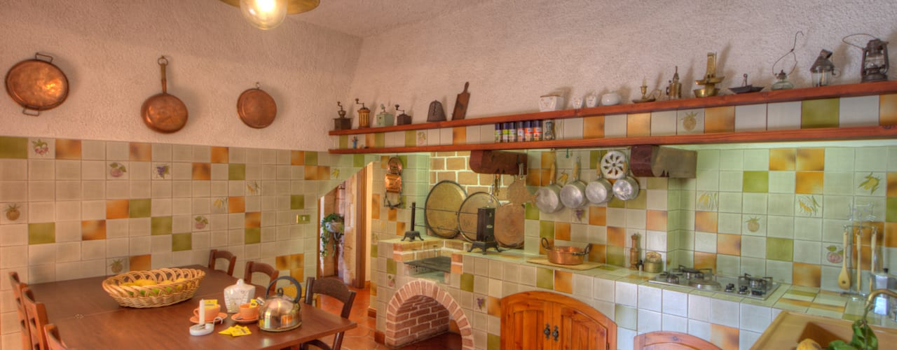 Kitchen by Emilio Rescigno - Fotografia Immobiliare,