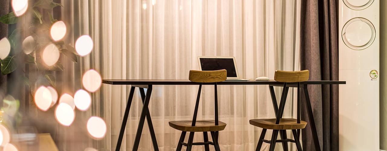 용인시 수지구 죽전동 성현마을 광명샤인빌아파트 (24평형): 아르떼 인테리어 디자인의  다이닝 룸