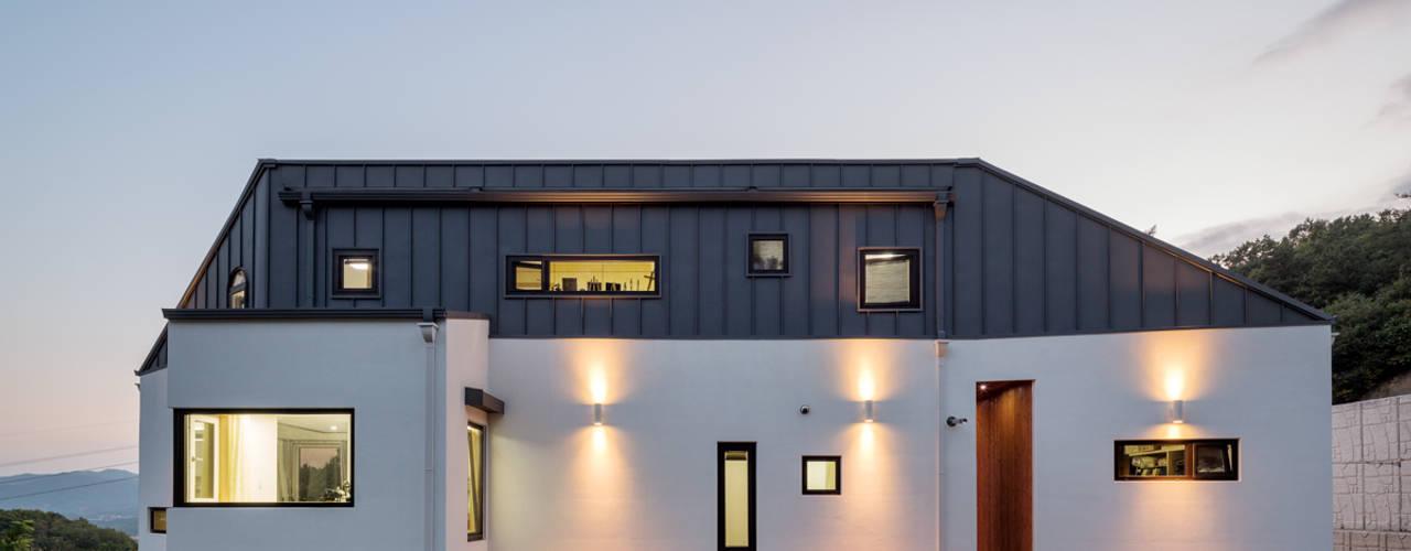 現代房屋設計點子、靈感 & 圖片 根據 B.U.S Architecture 現代風