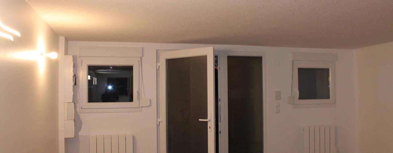 Гостиная в стиле модерн от Agence ADI-HOME Модерн