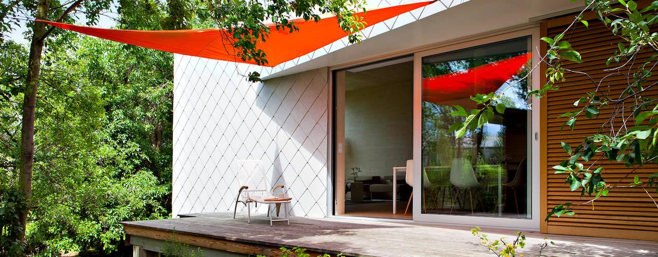 ระเบียง, นอกชาน by DANKE Architekten