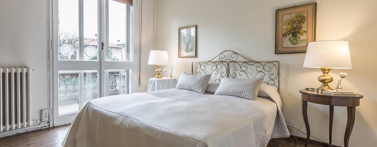 Cuartos de estilo  por Bologna Home Staging