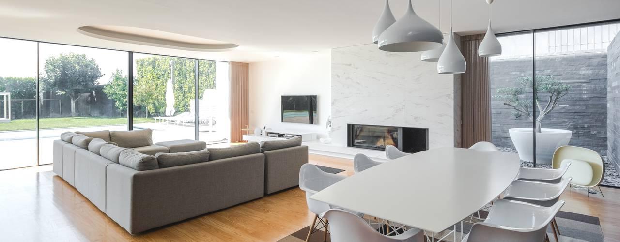 Salas de jantar minimalistas por Raulino Silva Arquitecto Unip. Lda Minimalista