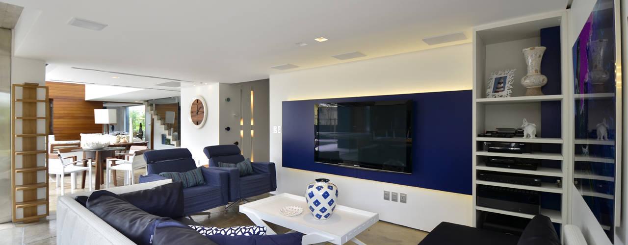HECHER YLLANA ARQUITETOS Living room