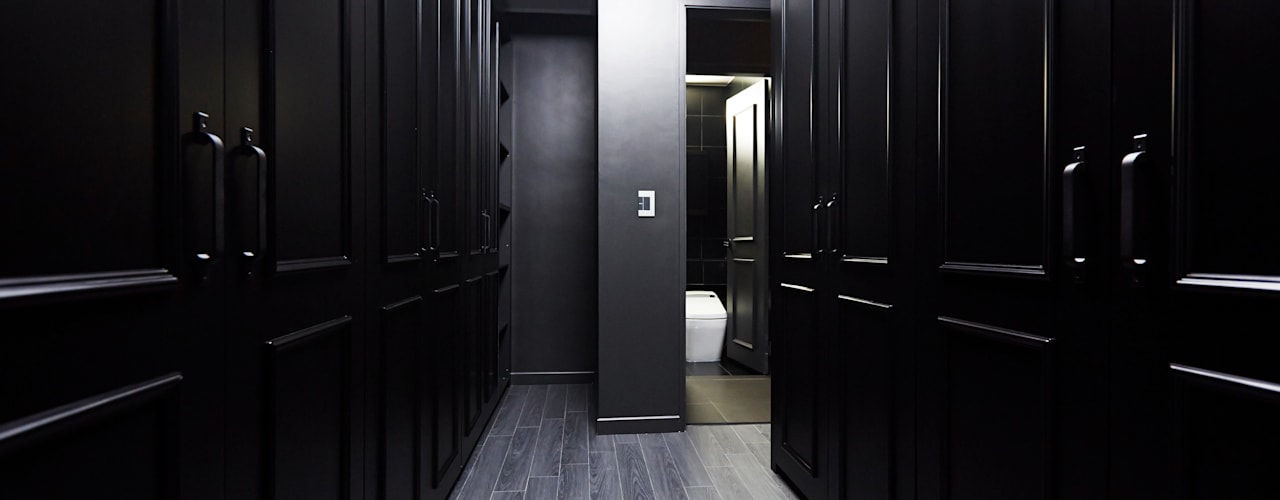 Ruang Ganti by DESIGNSTUDIO LIM_디자인스튜디오 림