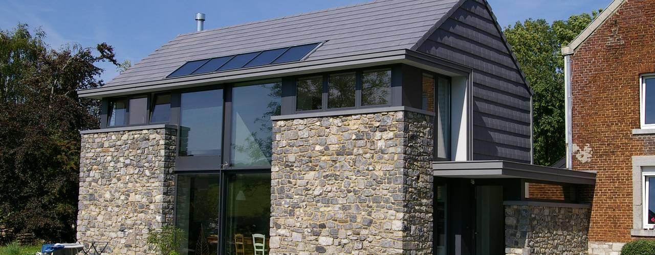 Maison lumineuse et écologique. : Maisons de style de style eclectique par ARTERRA