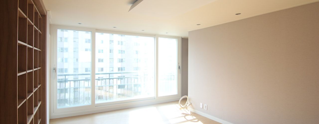 Living room by Light&Salt Design