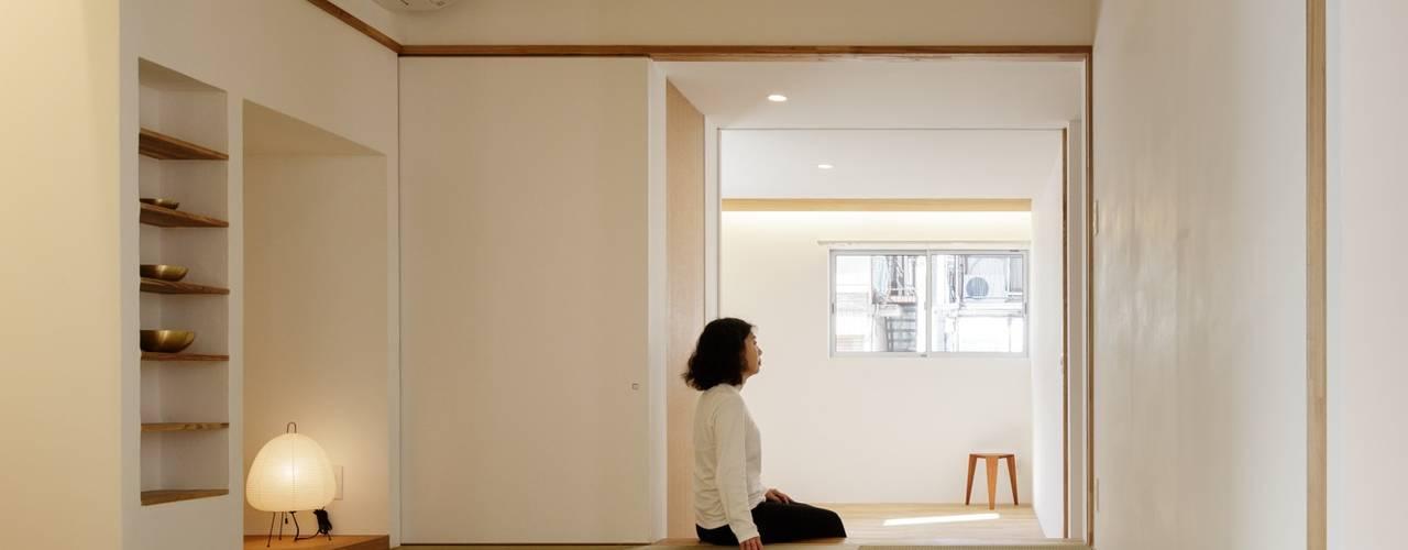 Aziatische slaapkamers van アトリエ スピノザ Aziatisch