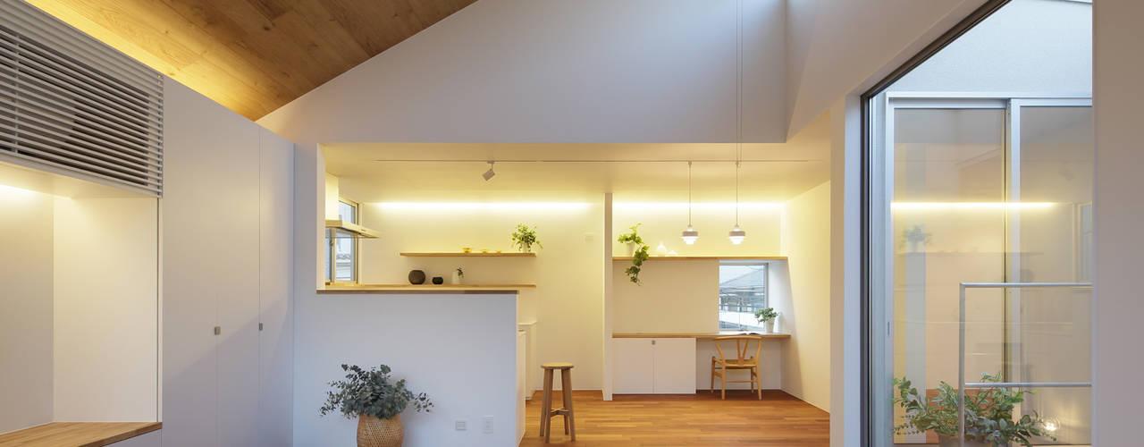 Ruang Keluarga oleh アトリエ スピノザ, Skandinavia