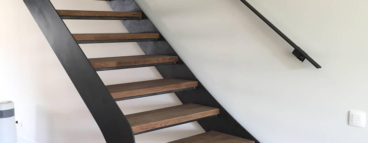 Realisaties Moderner Flur, Diele & Treppenhaus von Feral Group Modern
