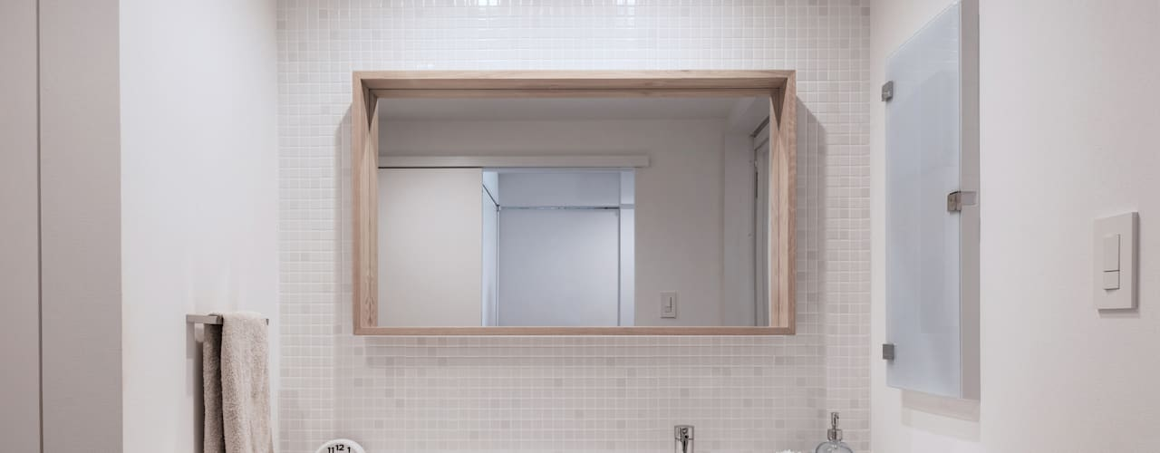 Badkamer door 一色玲児 建築設計事務所 / ISSHIKI REIJI ARCHITECTS,