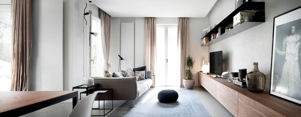 Minimalistische Wohnzimmer von StudioCR34 Minimalistisch