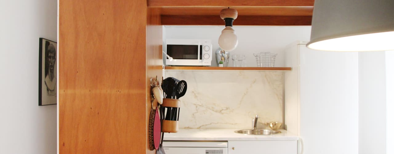 Casa de família no Alvito: Cozinhas  por Mafalda Pacheco Duarte Neuville