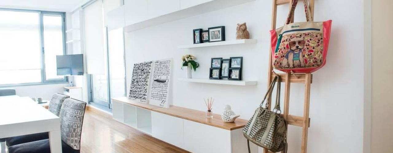 Living room by Trua arqruitectura