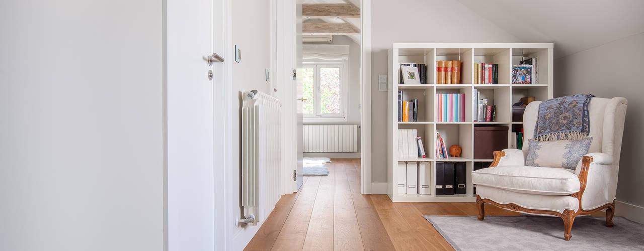 Tarimas de Autor Nowoczesny korytarz, przedpokój i schody Drewno