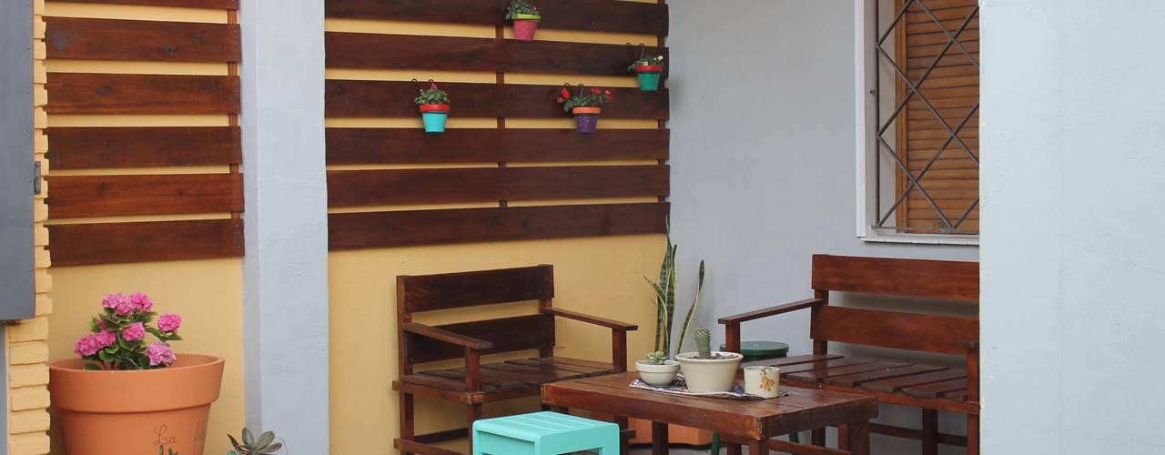 Jardines de estilo  por LAS MARIAS casa & jardin,