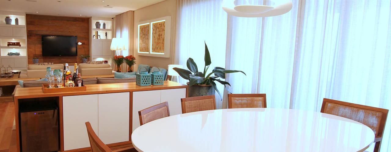 Sala da pranzo moderna di MeyerCortez arquitetura & design Moderno