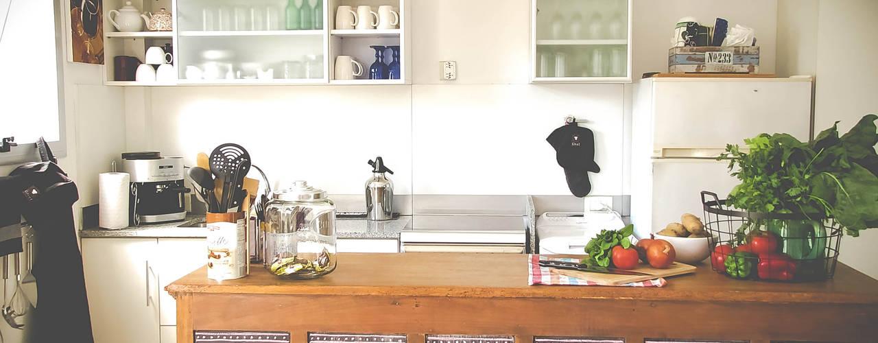 DECORACION - Cocina integrada de PLATZ Ecléctico Madera Acabado en madera