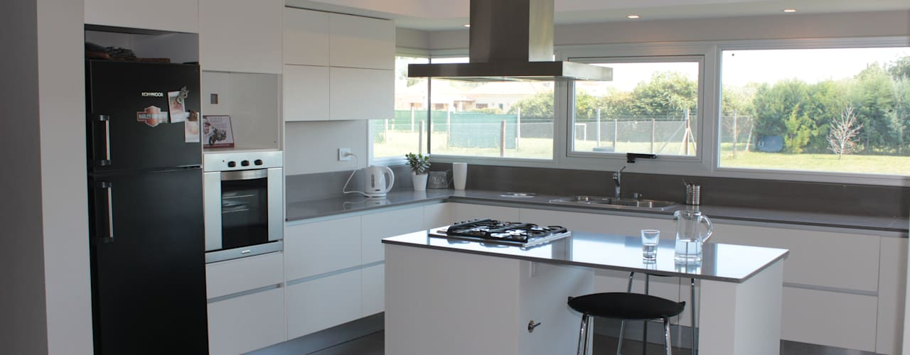 Cocinas de estilo minimalista de JORGELINA ALVAREZ I arquitecta I Minimalista