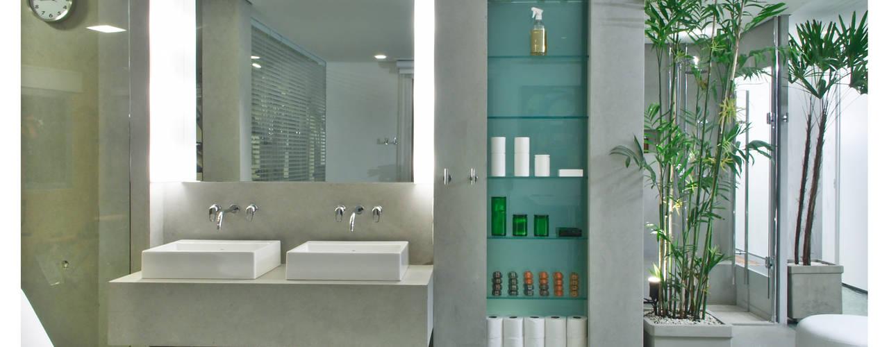 Baños de estilo  de Elisabete Primati Arquitetura, Moderno