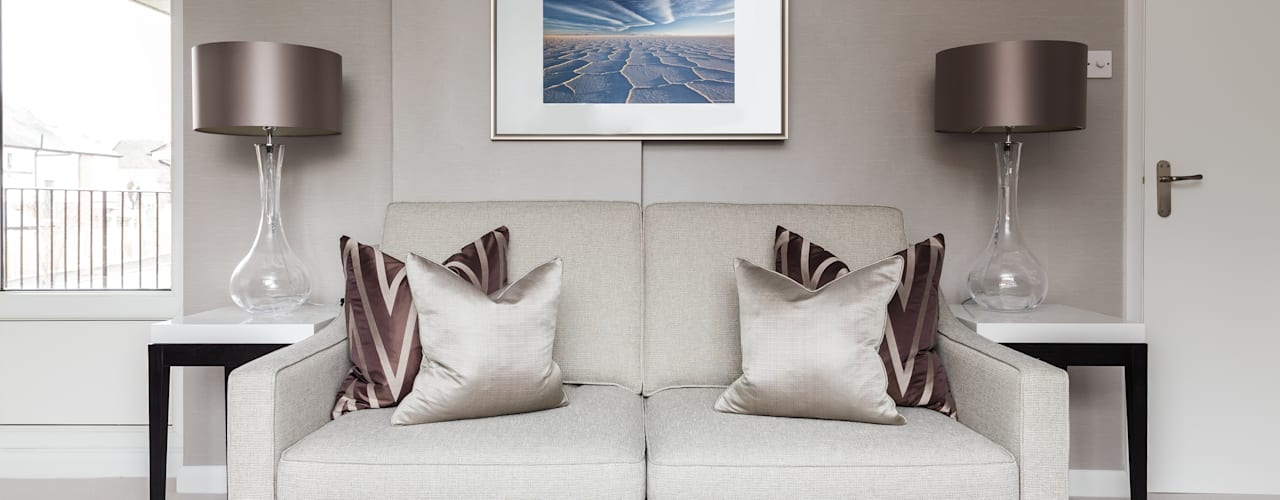 Loughton:  Living room by The White House Interiors , Modern