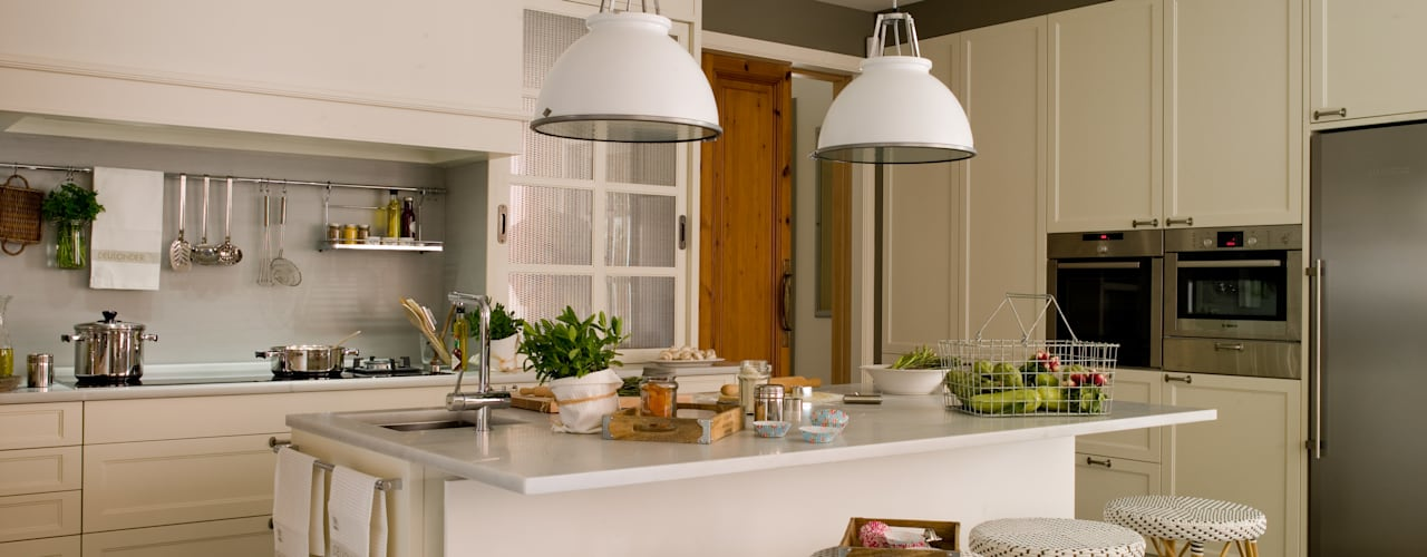 Cocinas de estilo clásico de DEULONDER arquitectura domestica Clásico