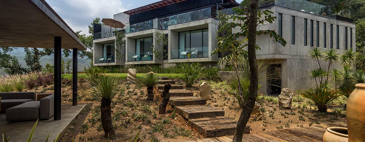 Nowoczesne domy od BURO ARQUITECTURA Nowoczesny