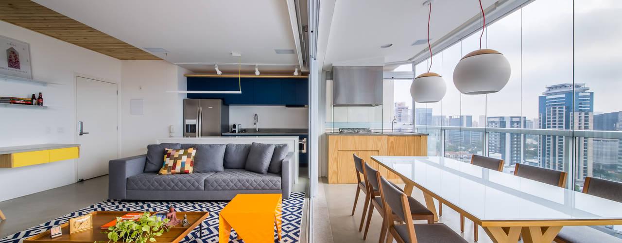 Phòng khách by Casa100 Arquitetura