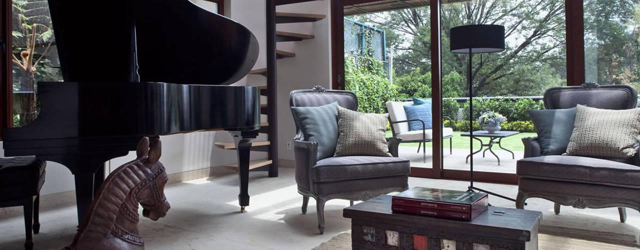 MARIANGEL COGHLAN Living room