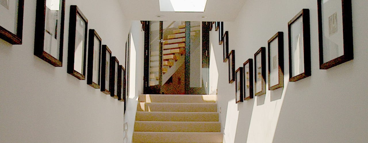 Mermaids - A home by the sea Corredores, halls e escadas minimalistas por Trewin Design Architects Minimalista