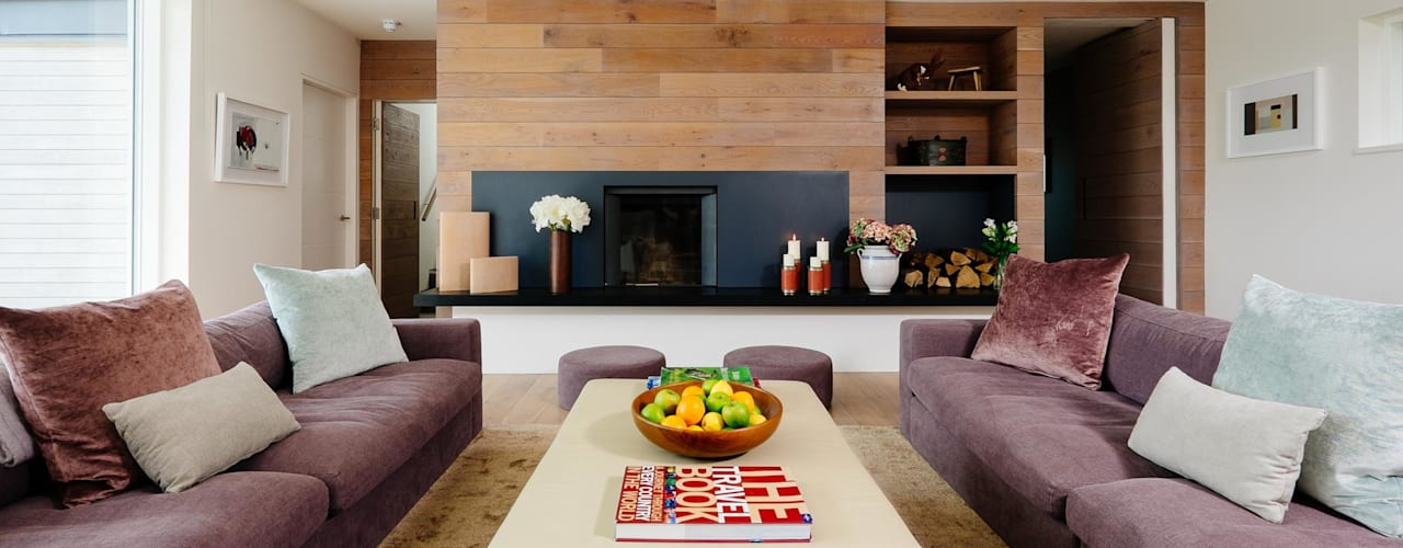 Living room:  Living room by Perfect Stays